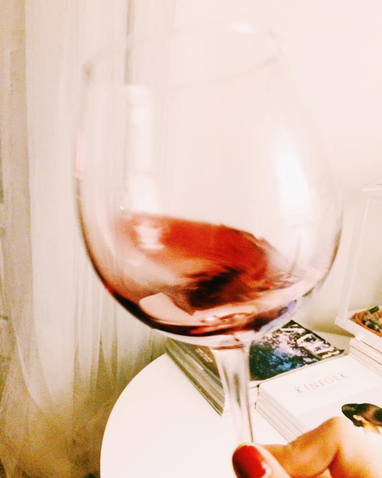 a fazer o vinho bailar no copo.jpg
