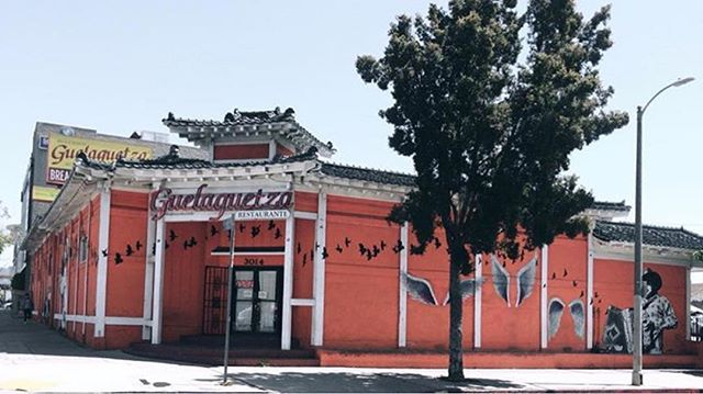 Keep tagging us and sending us your photos -it's great to see @laguelaguetza through your your eyes! Thank you for this shot, @sockimlealjuarez! #repost #sunday #ktown #oaxacalifornia