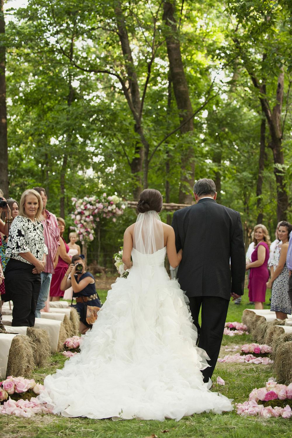 jessica-zimmerman-events-floral-event-design-coordination-planning-wedding-invitations-neutral-blush-silk-ribbon-organic-bouquet-conway-arkansas-bailey-hepp-pink-outdoor-wedding-ceremony
