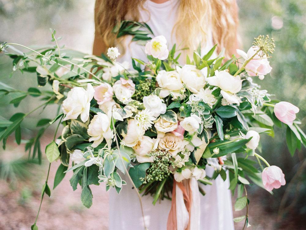 jessica-zimmerman-events-floral-event-design-coordination-planning-wedding-invitations-seaside-florida-lauren-kinsey-photography-pink-blush-neutral-silk-ribbon-organic-bouquet-conway-arkansas