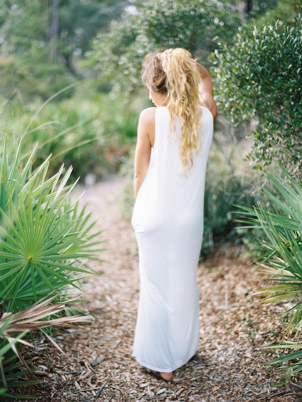jessica-zimmerman-events-floral-event-design-coordination-planning-wedding-invitations-neutral-blush-organic-conway-arkansas-white-lauren-kinsey-photographer-jeanne-johansson-scarlet-clothing-gown