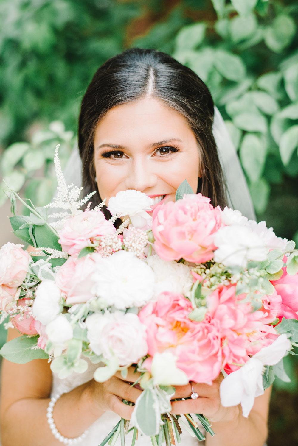 jessica-zimmerman-events-floral-design-coordination-planning-planner-little-rock-conway-arkansas-southern-florist-wedding-home-work-family-balance-business-mentor-mom-southern-bridal-portraits-pink-bouquet