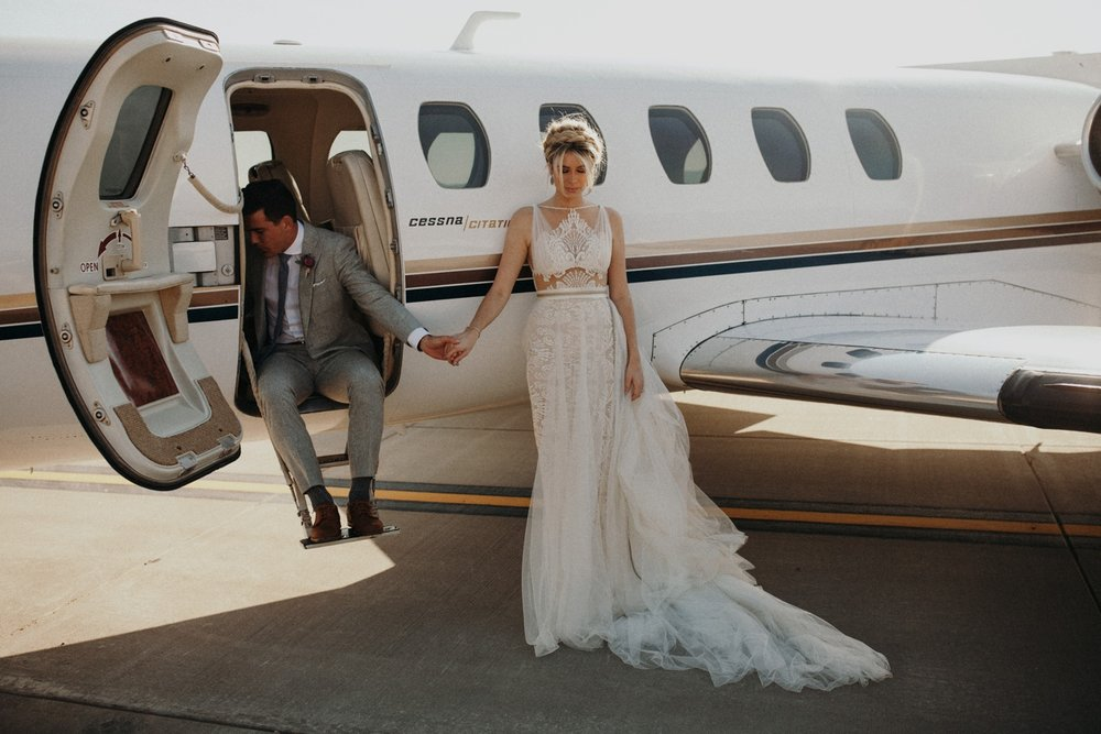 jessica-zimmerman-event-floral-event-design-wedding-coordinator-coordination-planning-planner-conway-little rock-arkansas-southern-sydnie-sean-landers-hangar-airport-jordan-voth-prayer-plane
