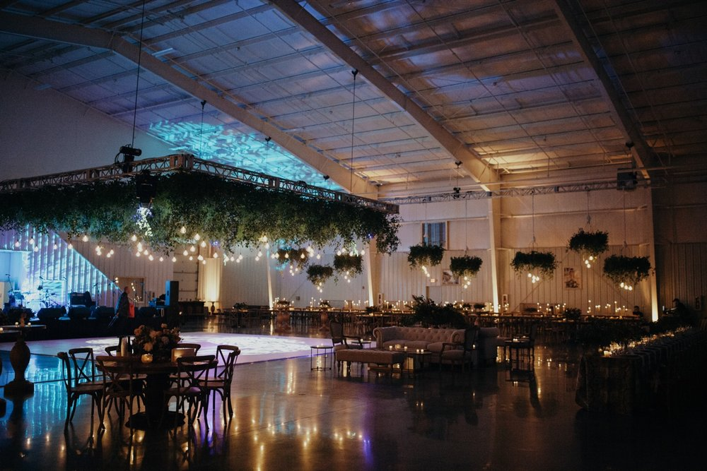 jessica-zimmerman-event-floral-event-design-wedding-coordinator-coordination-planning-planner-conway-little rock-arkansas-southern-sydnie-sean-landers-hangar-airport-jordan-voth-reception