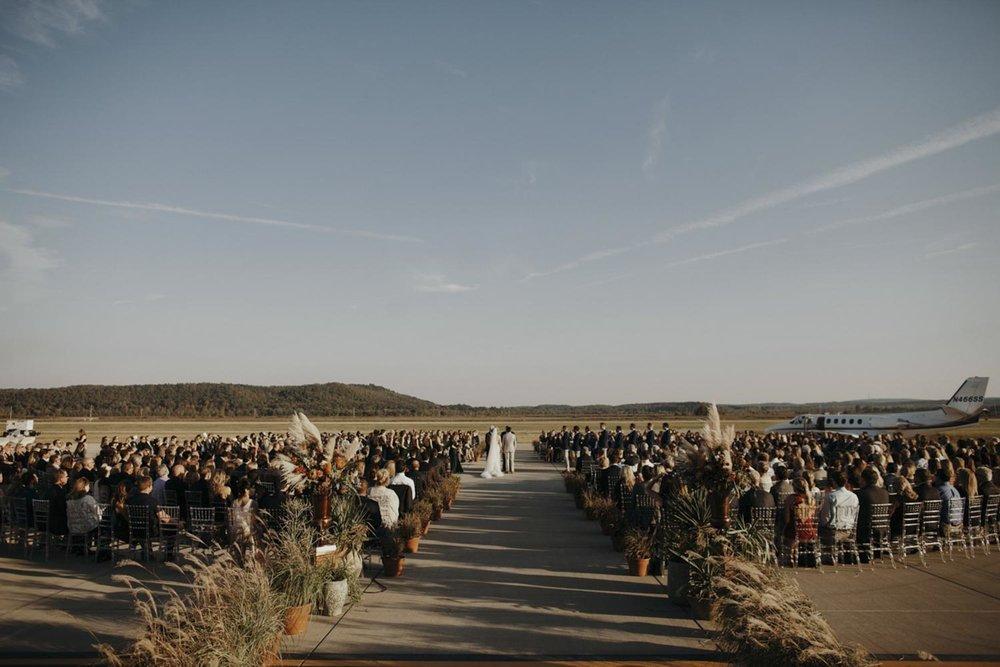jessica-zimmerman-event-floral-event-design-wedding-coordinator-coordination-planning-planner-conway-little+rock-arkansas-southern-sydnie-sean-landers-hangar-airport-jordan-voth.jpeg.jpg
