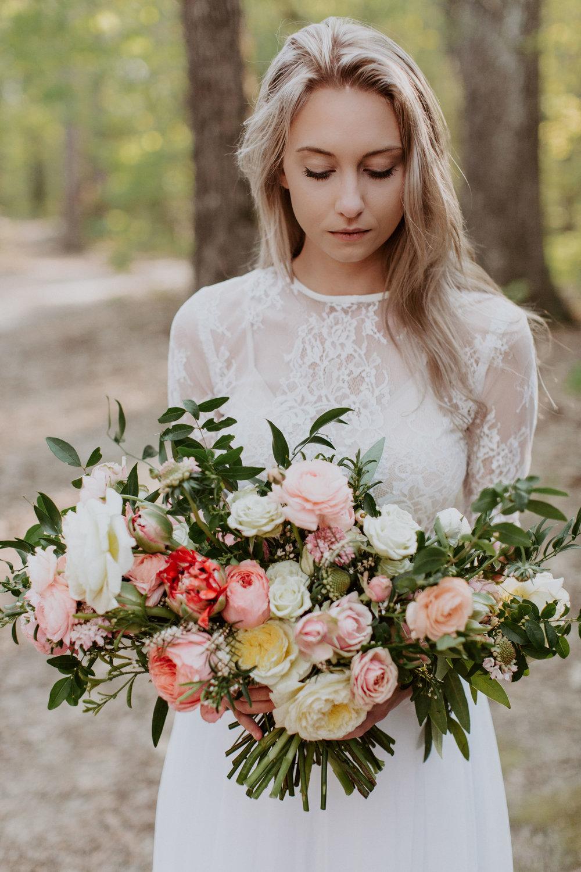 jessica-zimmerman-arkansas-florist-organic-bouquet.jpg