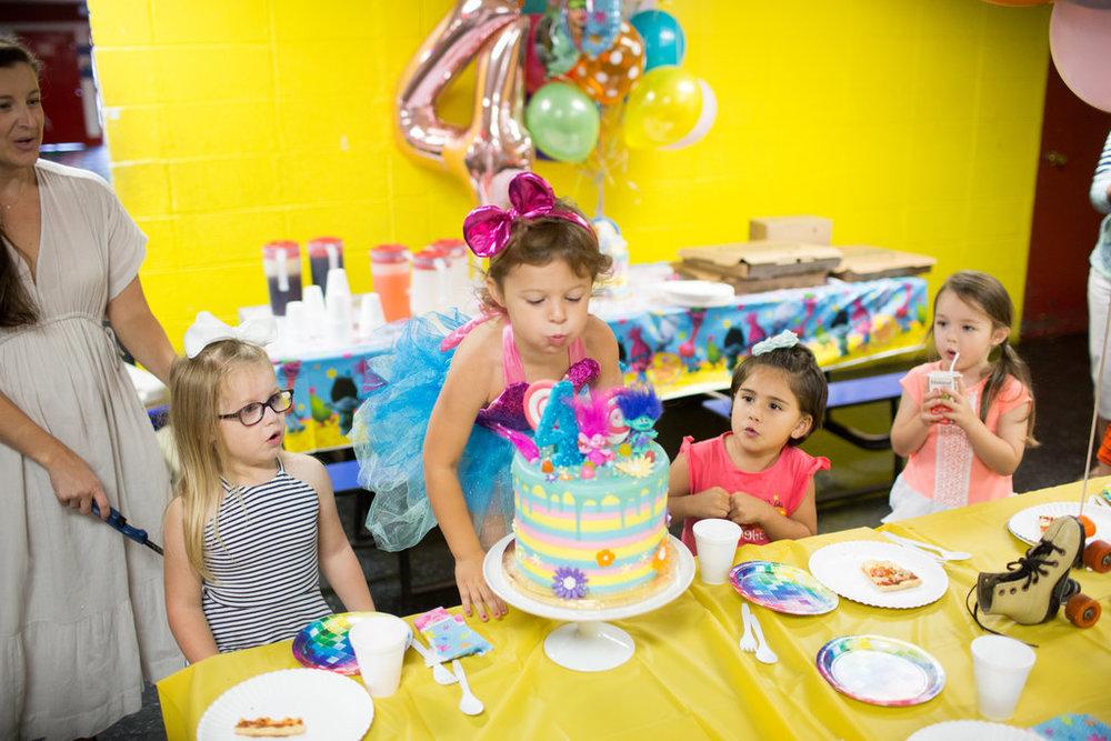 jessica-zimmerman-cake-birthday-trolls.jpg