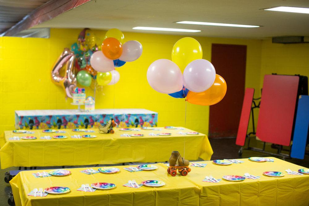 jessica-zimmerman-child-birthday-trolls-decor.jpg