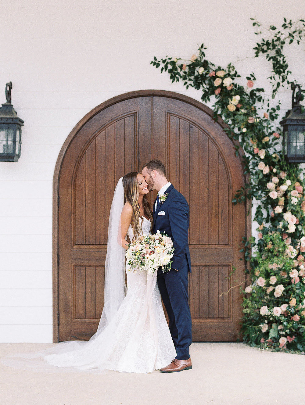 jessica-zimmerman-events-ceremony-floral-arch.jpg