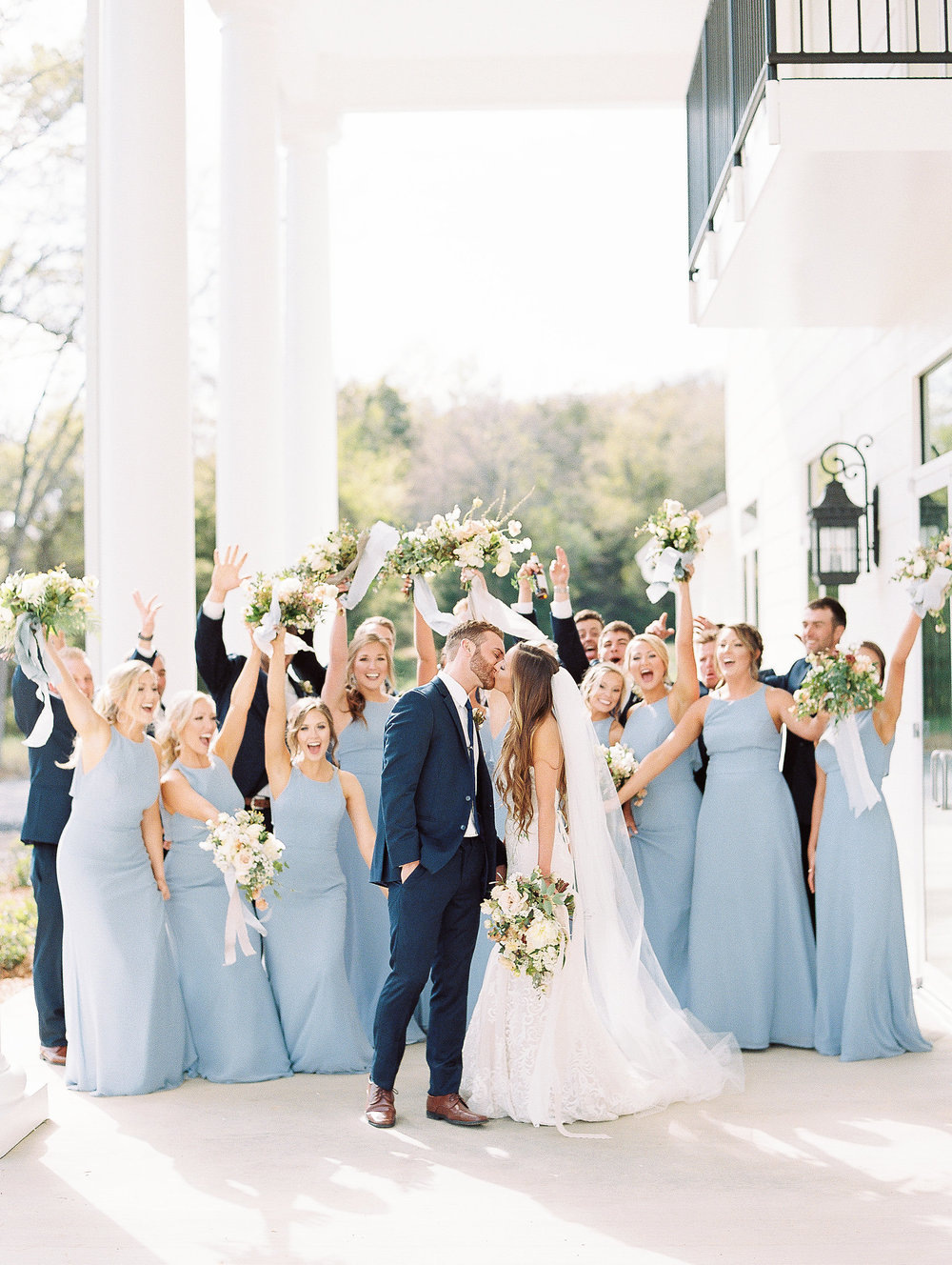 jessica-zimmerman-southern-wedding-bridal-party-floral.jpg