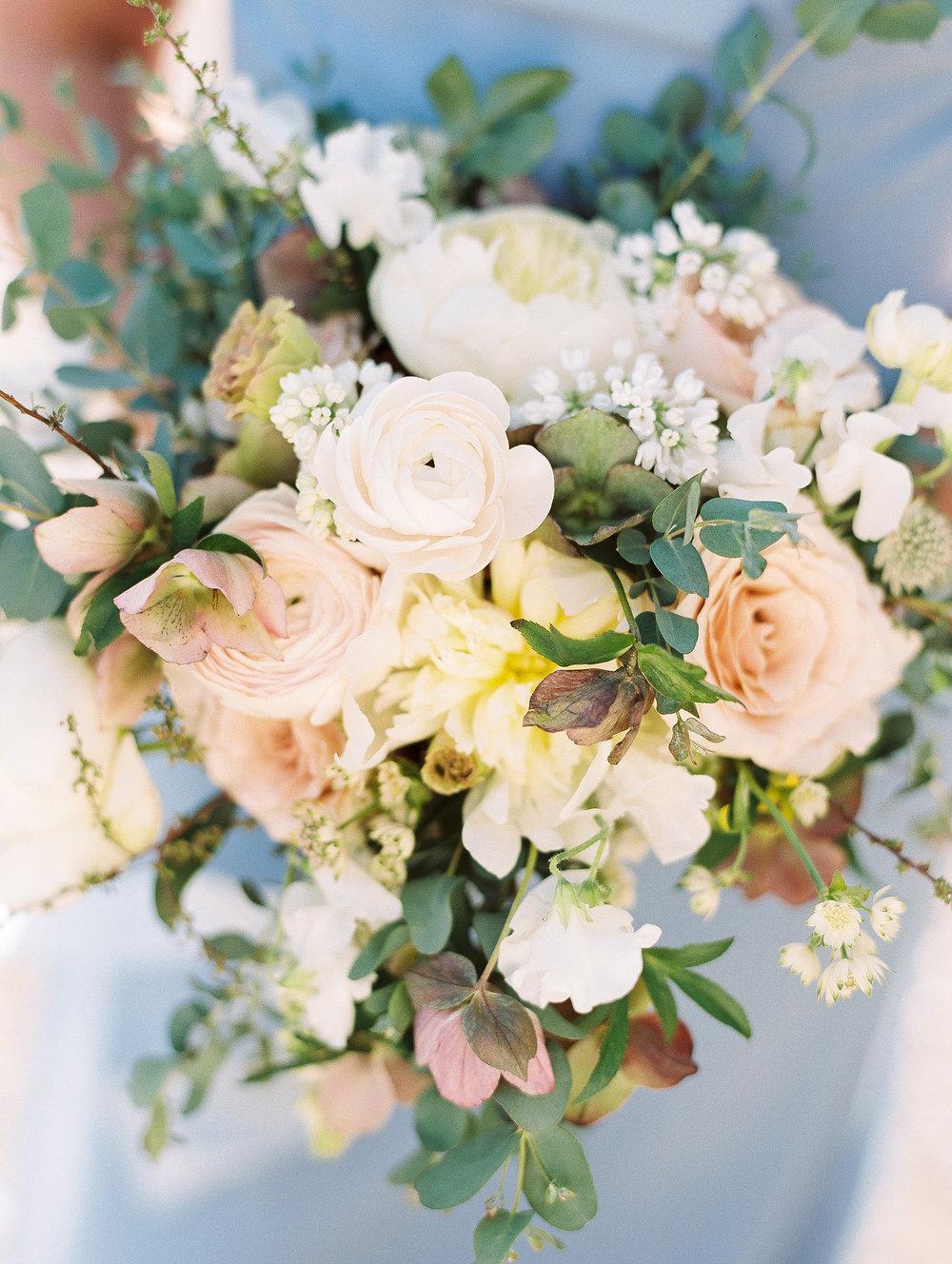 jessica-zimmerman-events-bridesmaid-bouquet-peach-blue.jpg