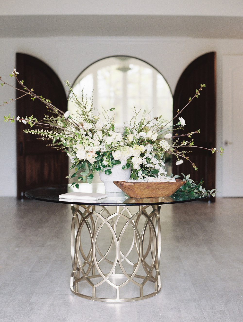 jessica-zimmerman-southern-wedding-ceremony-entry-sign-in-table.jpg