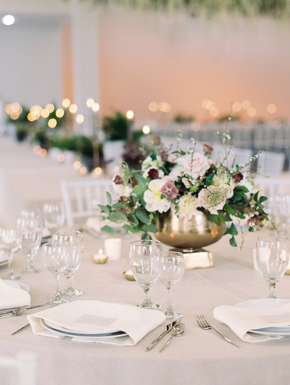 jessica-zimmerman-southern-wedding-reception-family-table.jpg