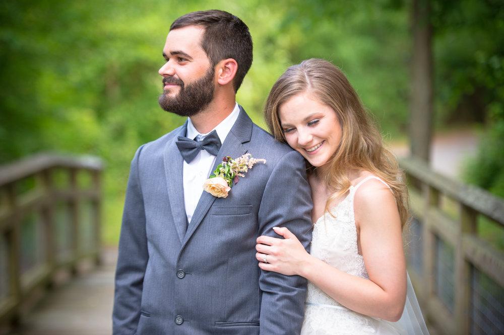jessica-zimmerman-geometric-wedding-arkansas.jpg