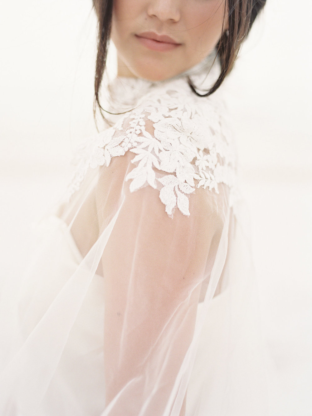 jessica-zimmerman-events-florida-editorial-lace-gown.jpg