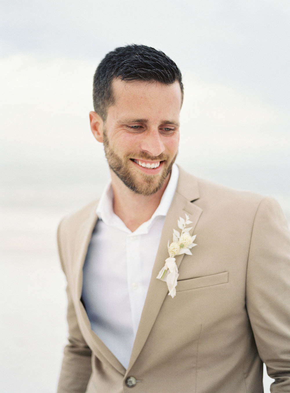 jessica-zimmerman-events-florida-editorial-beach-groom.jpg