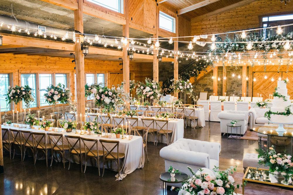 jessica-zimmerman-events-arkansas-wedding-martha-stewart-feature-reception-arrangement.jpg