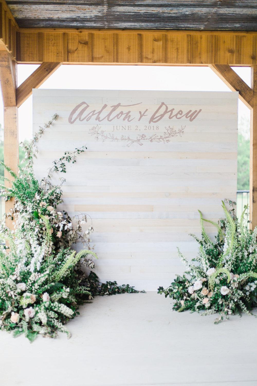 jessica-zimmerman-events-arkansas-wedding-martha-stewart-feature-photo-booth-backdrop.jpg