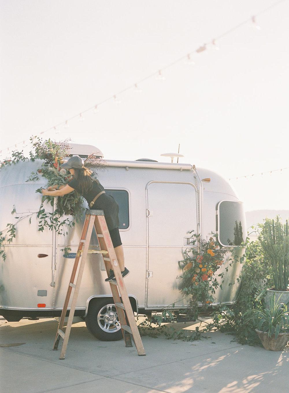 jessica-zimmerman-events-wedding-education-setup-delivery.jpg