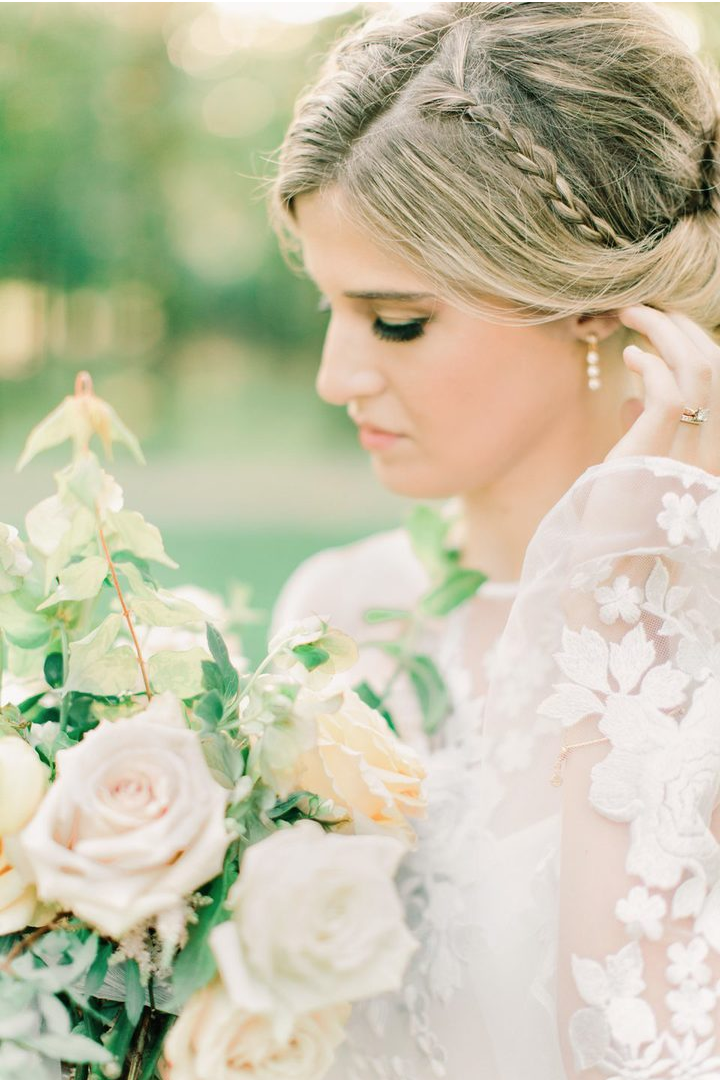 jessica-zimmerman-events-southern-wedding-garden-bouquet-neutral-rose.png
