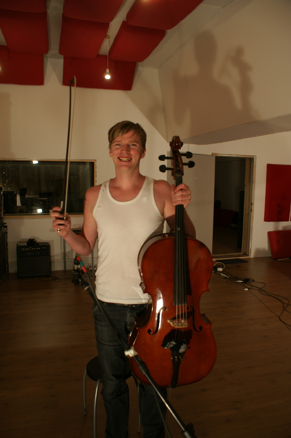 Show me your best smiling cellist picture in the comment field.