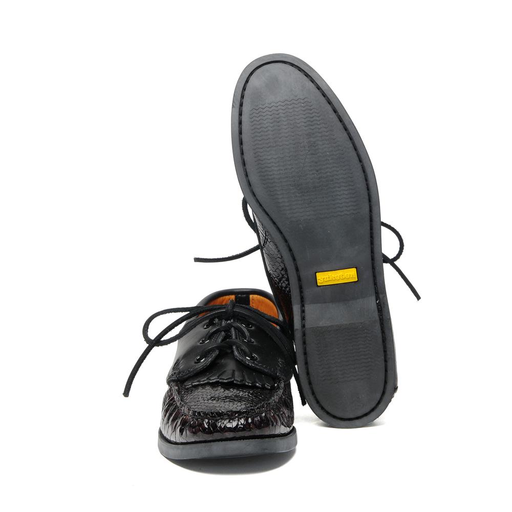 non-boat-shoe-w-kiltie-snake-blackx-c-black-back-outsole.jpg