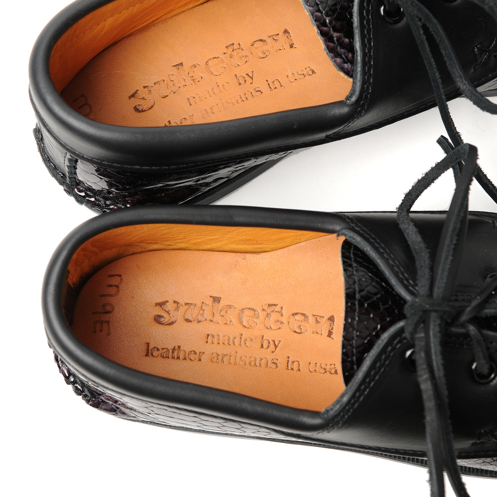 non-boat-shoe-w-kiltie-snake-blackx-c-black-back-insole.jpg