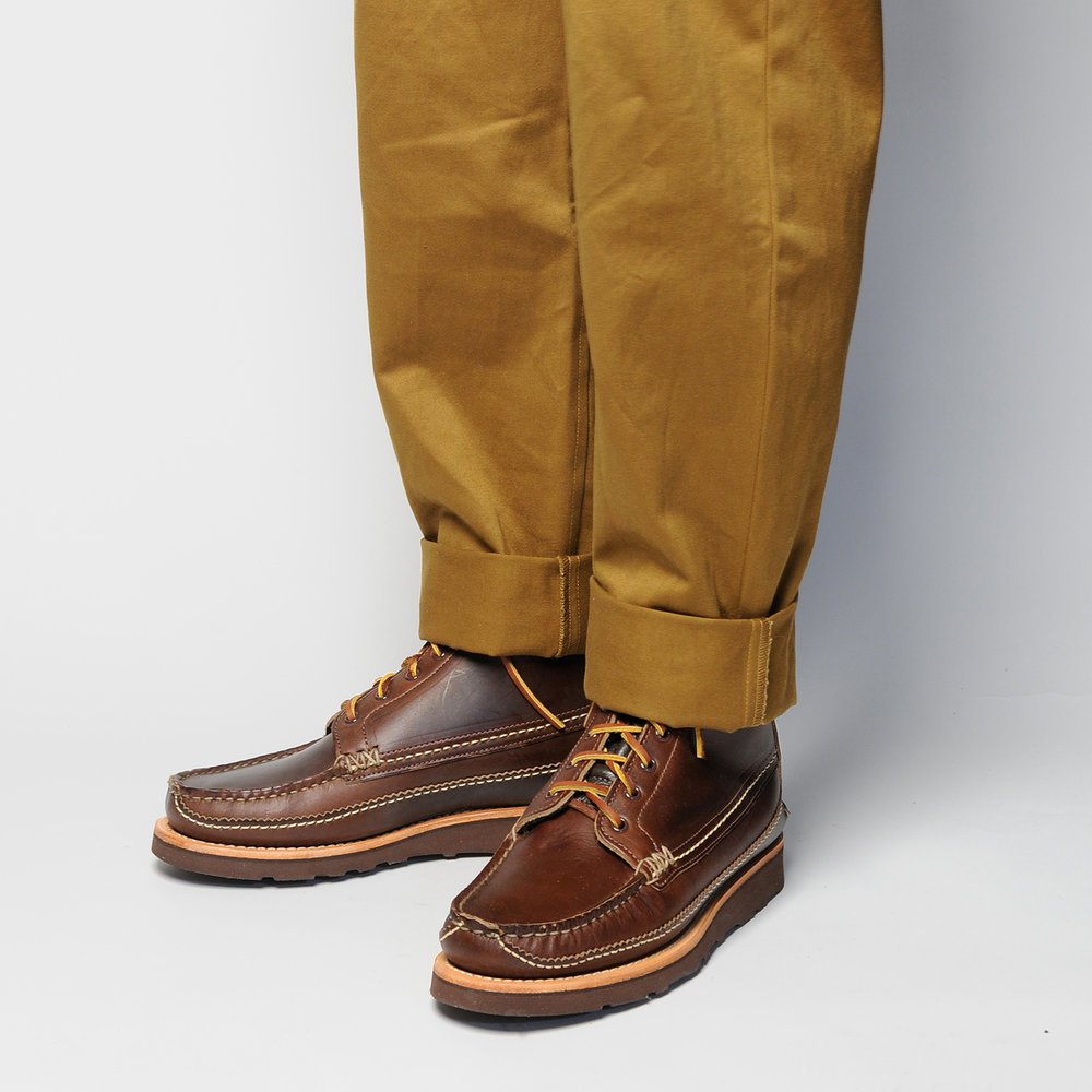 MAINE-GUIDE-DB-BOOTS,-G-BROWN,-WEAR-ANGLE-HIDE.jpg