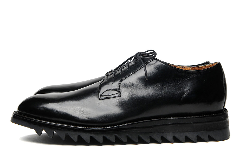 PLAIN-TOE-W-RIPPLE-SOLE-BLACK-PROFILE.jpg