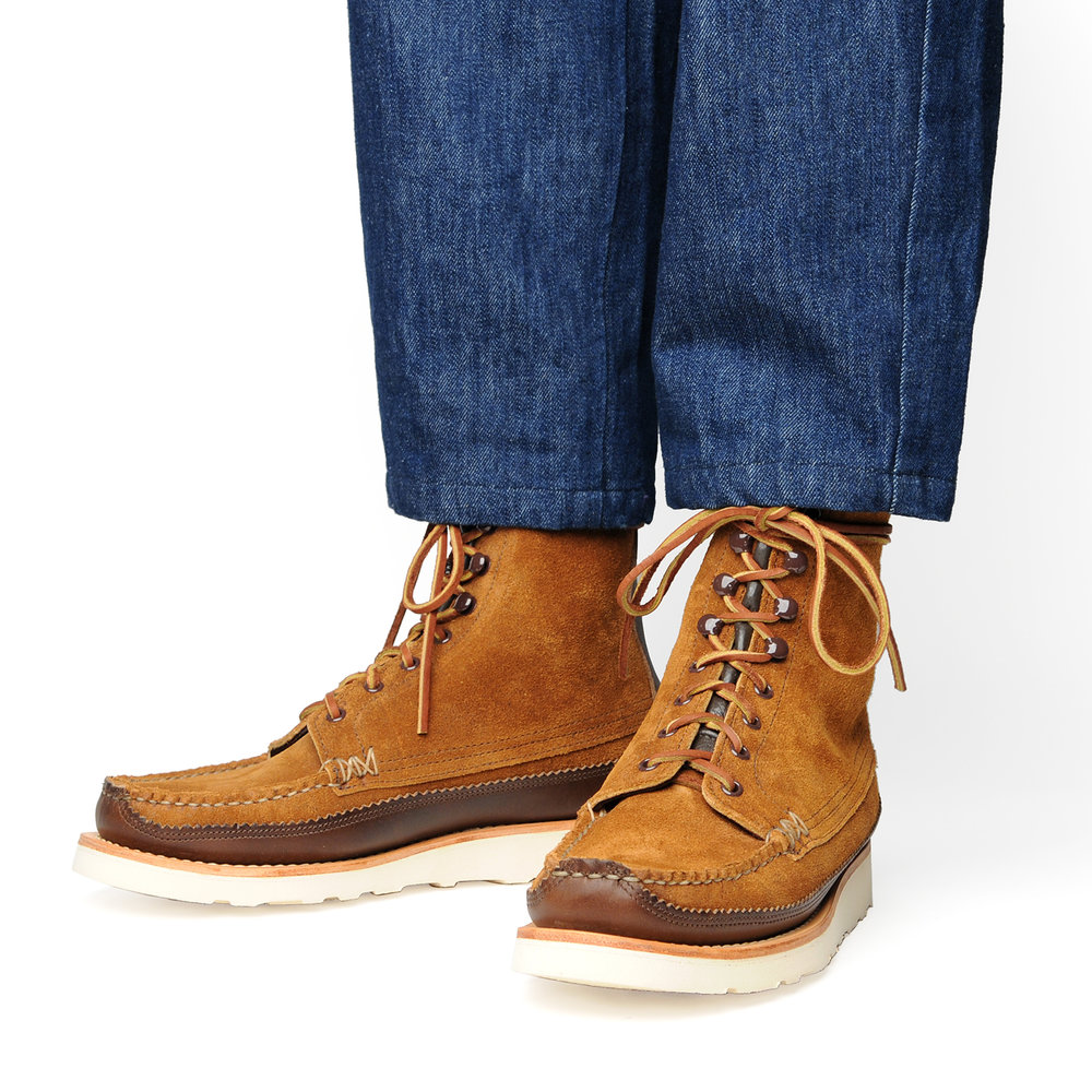 18005PM-Maine-Guide-DB-Boots,-FO-G-Brown,-Wear-Angle.jpg