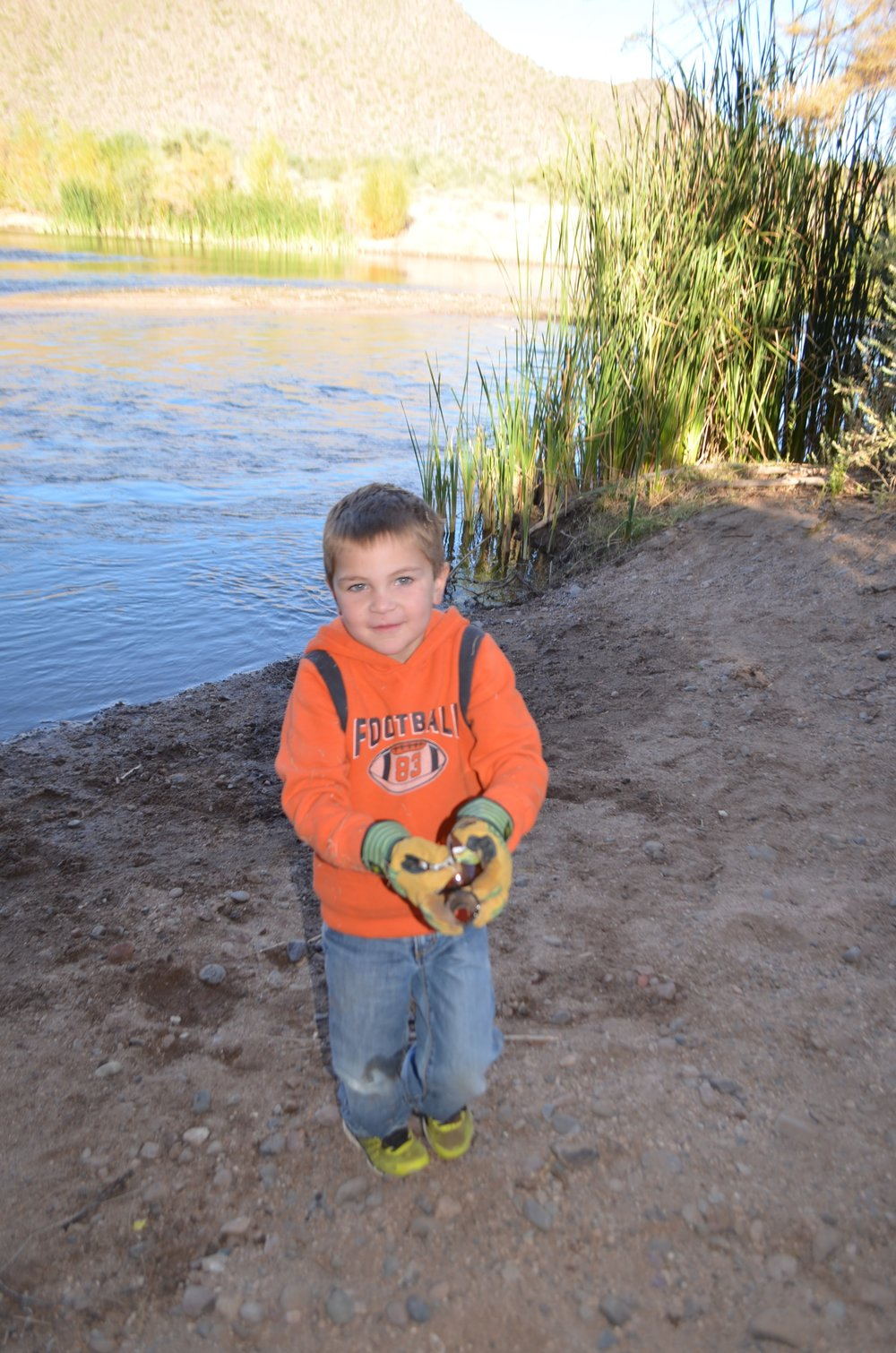 Salt River Cleanup 11-24-17 040.jpg