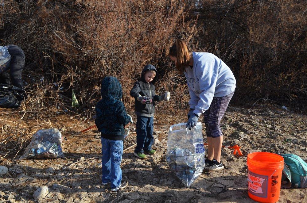 Coon Bluff NR Cleanup 2-17-18 056.jpg