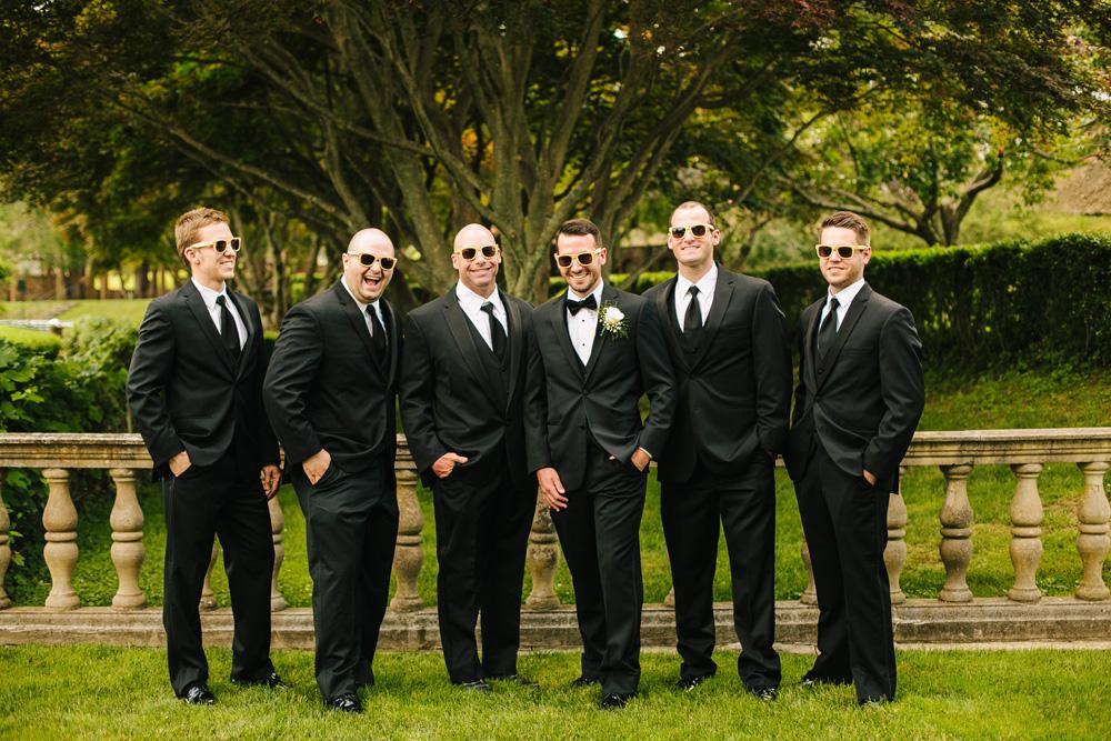 021-groomsmen-in-sunglasses.jpg