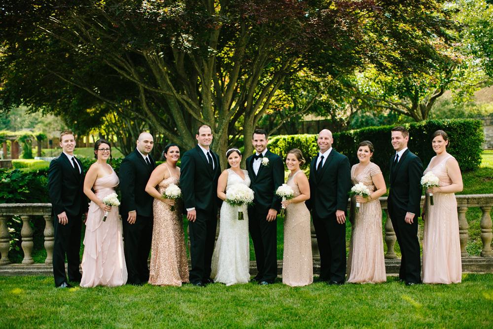 023-unique-wedding-party-photo.jpg