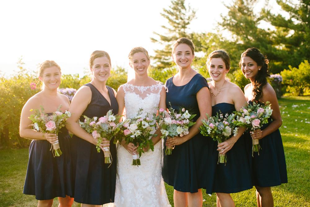015-rustic-bridesmaids.jpg