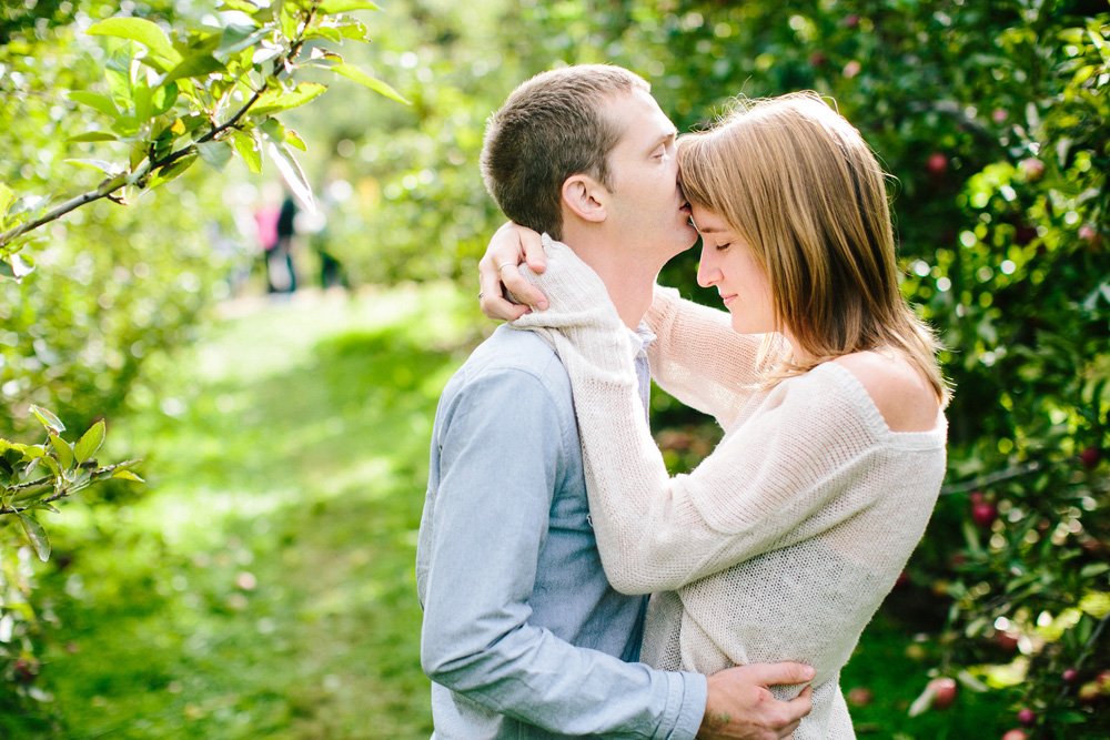 004-new-england-fall-engagement-session.jpg