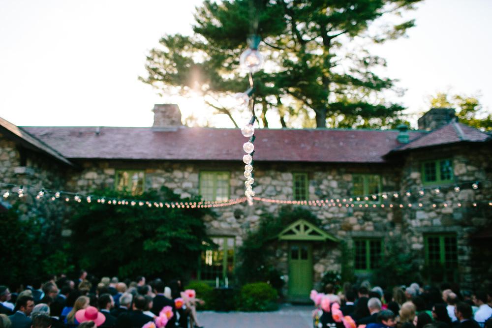 018-creative-willowdale-estate-wedding-photographer.jpg