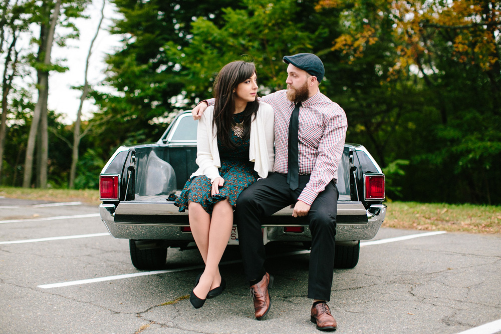 006-classic-car-engagement-session.jpg