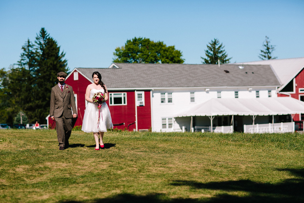 004-red-barn-at-hampshire-college-wedding.jpg