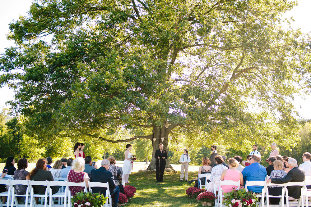 005-red-barn-at-hampshire-college-wedding.jpg