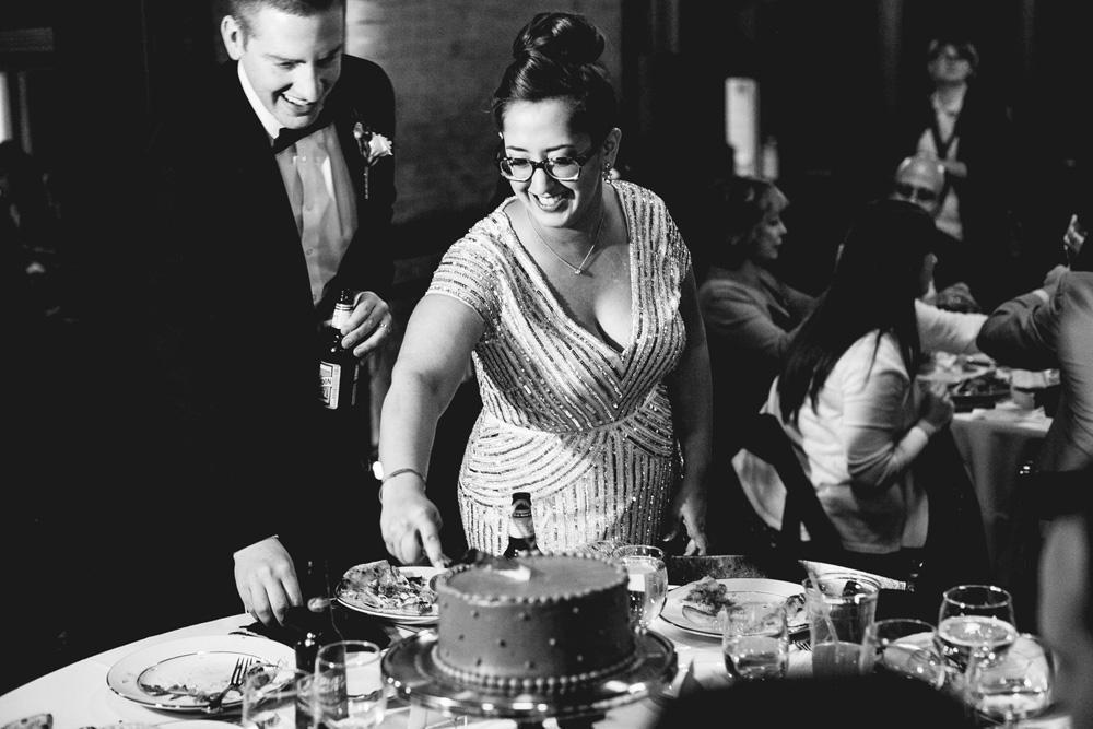 050-wedding-cake-centerpieces.jpg