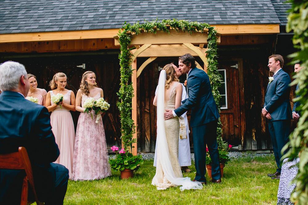 026-diy-vermont-wedding.jpg