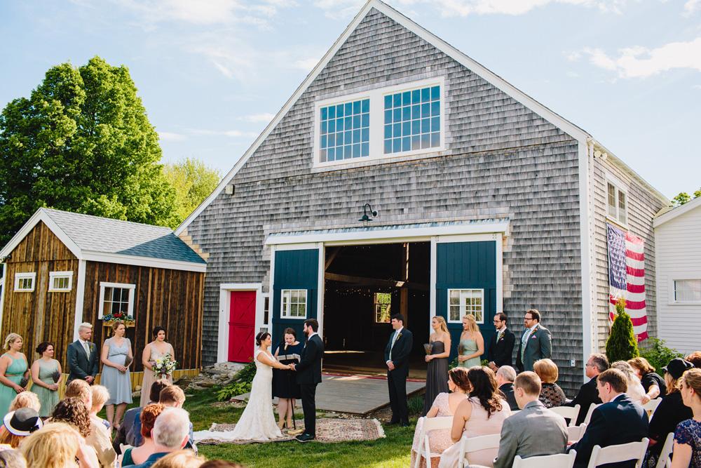 035-hip-new-england-wedding-photography.jpg