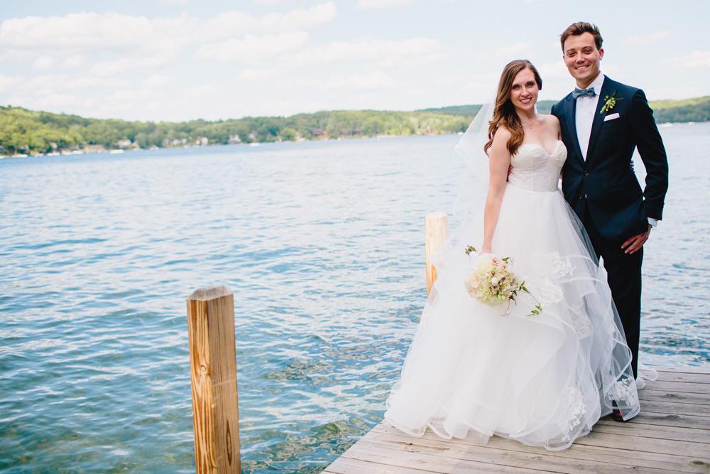 021-creative-lake-winnipesaukee-wedding.jpg