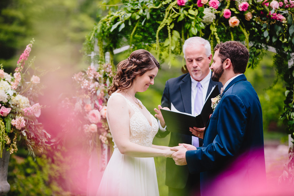 027-hip-rhode-island-wedding-photographer.jpg