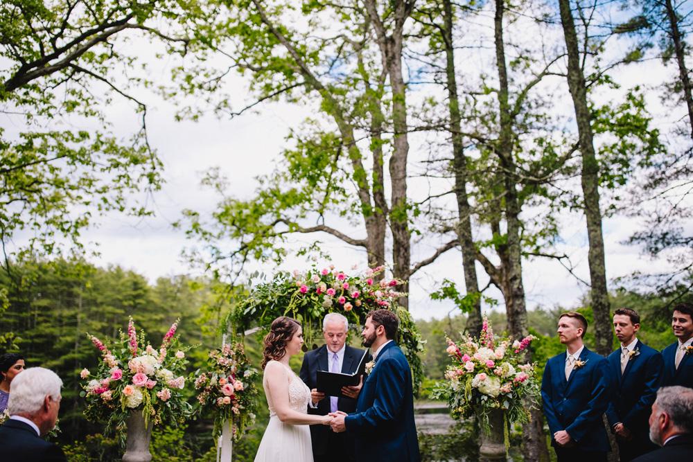 028-hip-rhode-island-wedding-photographer.jpg