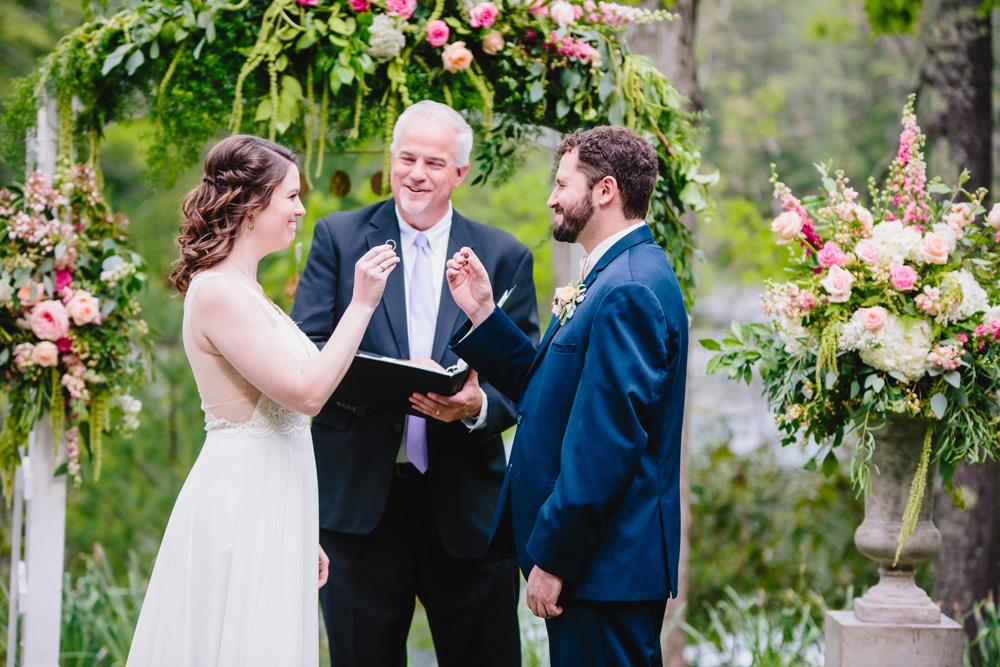 030-hip-rhode-island-wedding-photographer.jpg
