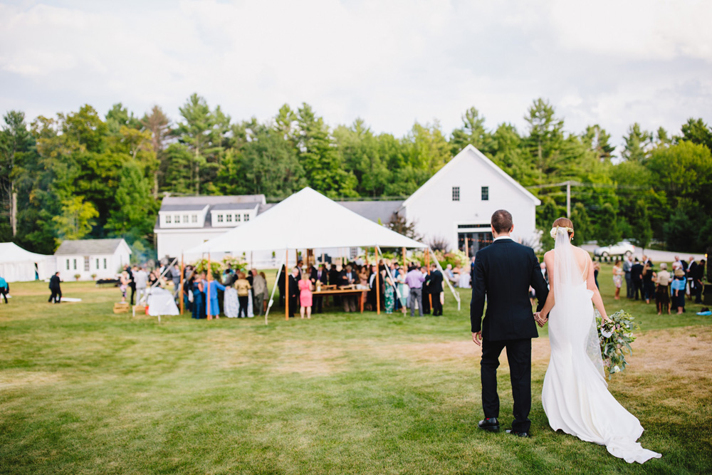 047-barn-at-flanagan-farm-wedding-ceremony.jpg