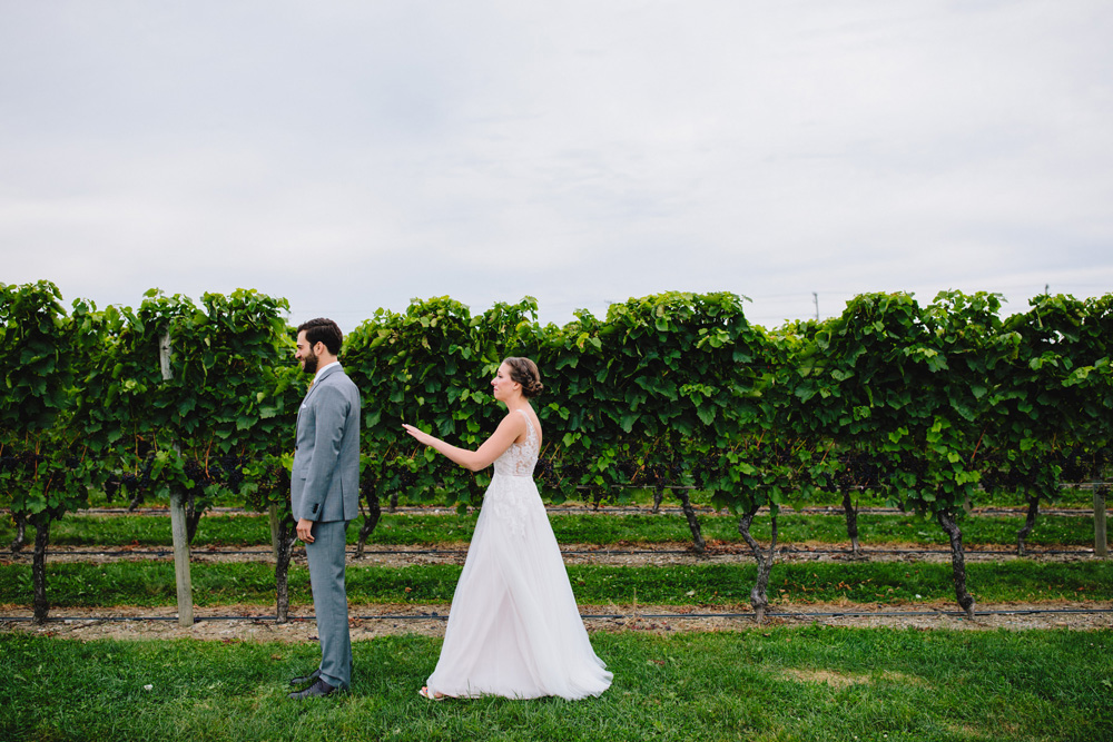 012-newport-vineyards-wedding.jpg