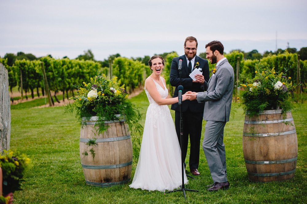034-newport-vineyards-wedding-ceremony.jpg